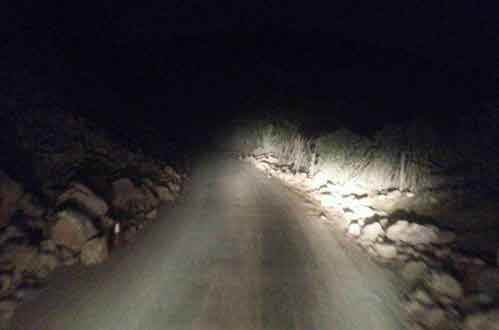 卡车司机夜路奇遇:行车路上的灵异事件