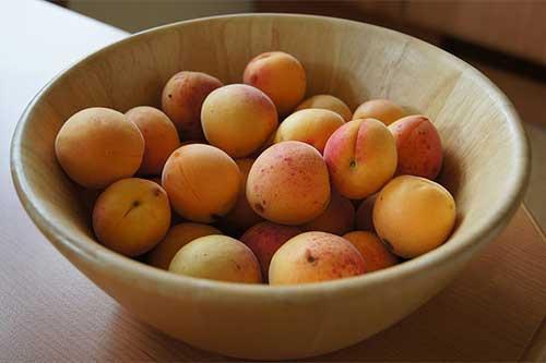 梦见吃杏子