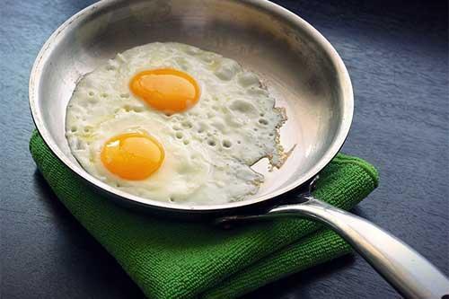 梦见自己吃鸡蛋