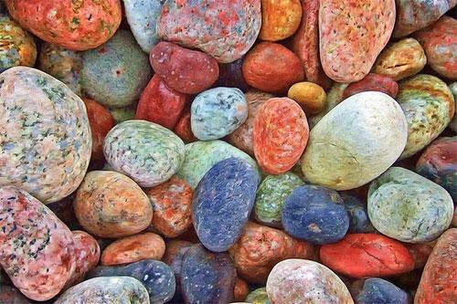 捡彩色石头